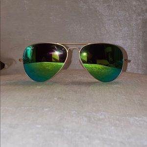EUC Ray-Ban Sunnglasses Polaroid